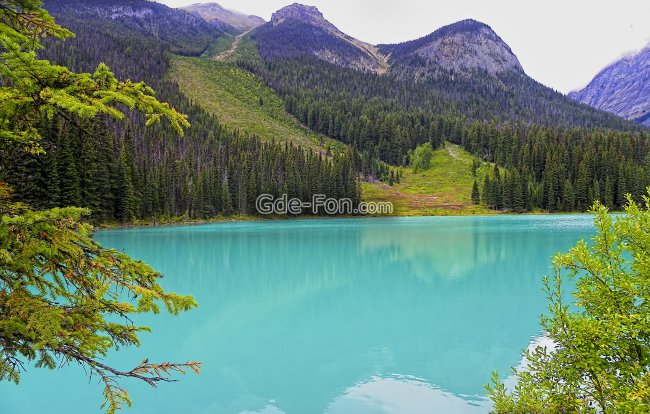 canada,rocky mountains,emerald lake